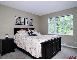 "Photo 8: 6 20120 68TH Avenue in Langley: Willoughby Heights Townhouse for sale in ""The Oaks"" : MLS®# F2822577"