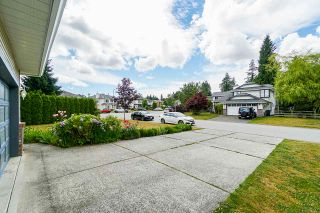 Photo 2: 9254 153 Street in Surrey: Fleetwood Tynehead House for sale : MLS®# R2381135