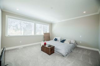Photo 15: 15498 RUSSELL Avenue: White Rock House for sale (South Surrey White Rock)  : MLS®# R2568948
