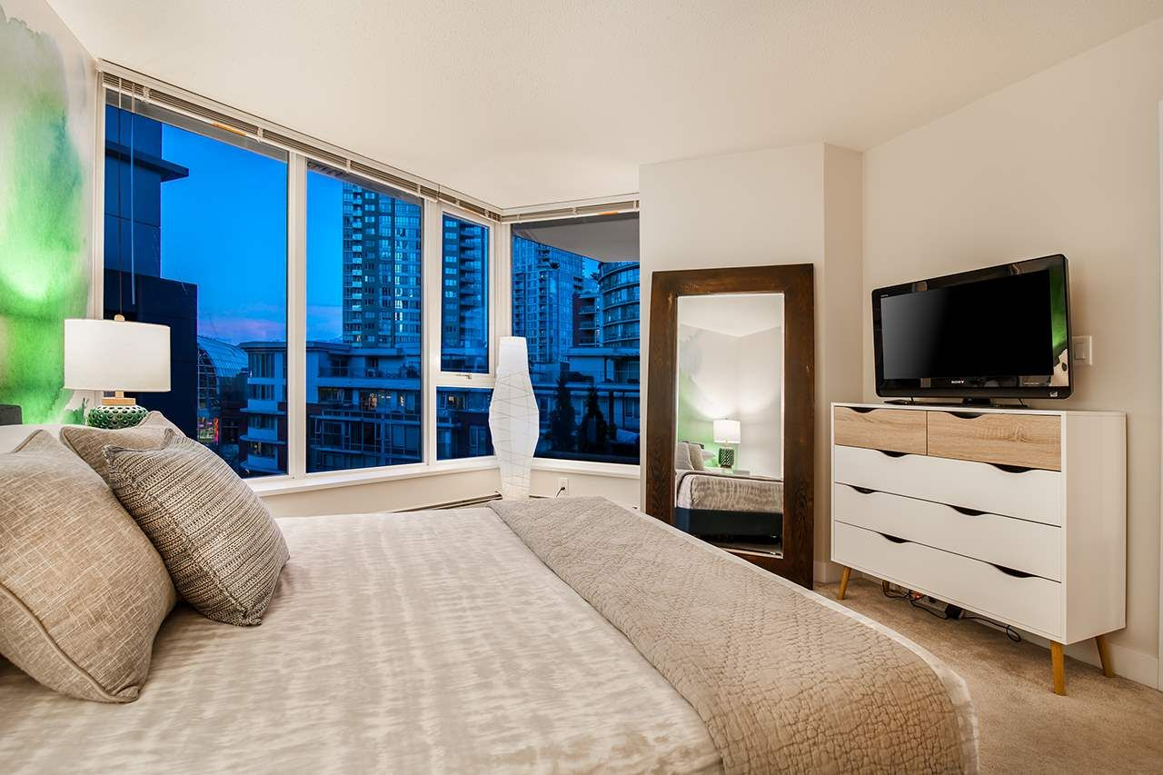 """Photo 12: Photos: 702 689 ABBOTT Street in Vancouver: Downtown VW Condo for sale in """"ESPANA"""" (Vancouver West)  : MLS®# R2352723"""