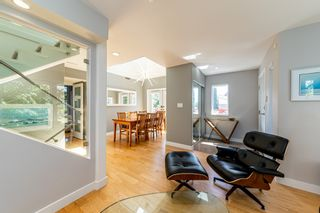 Photo 4: 1106 ST. GEORGES Avenue in North Vancouver: Central Lonsdale Townhouse for sale : MLS®# R2460985