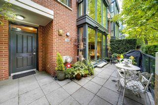 """Photo 3: 1421 W 7TH Avenue in Vancouver: Fairview VW Townhouse for sale in """"Siena of Portico"""" (Vancouver West)  : MLS®# R2624538"""