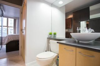 """Photo 12: 1903 969 RICHARDS Street in Vancouver: Downtown VW Condo for sale in """"MONDRIAN II"""" (Vancouver West)  : MLS®# R2026391"""