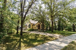 Main Photo: 906 North Drive in Winnipeg: East Fort Garry Residential for sale (1J)  : MLS®# 202116251