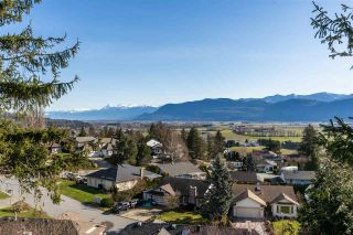 """Photo 32: 2258 MOUNTAIN Drive in Abbotsford: Abbotsford East House for sale in """"Mountain Village"""" : MLS®# R2543392"""