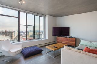 """Photo 6: 1203 108 W CORDOVA Street in Vancouver: Downtown VW Condo for sale in """"Woodwards W32"""" (Vancouver West)  : MLS®# R2322561"""