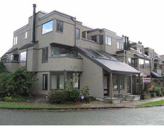 """Photo 2: 850 GREENCHAIN BB in Vancouver: False Creek Townhouse for sale in """"HEATHER POINT"""" (Vancouver West)  : MLS®# V622710"""