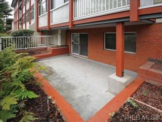 Photo 3: 104 1234 Fort St in VICTORIA: Vi Downtown Condo for sale (Victoria)  : MLS®# 550967