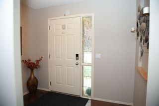 Photo 2: 186 EVERSTONE Drive SW in Calgary: Evergreen Detached for sale : MLS®# A1135538