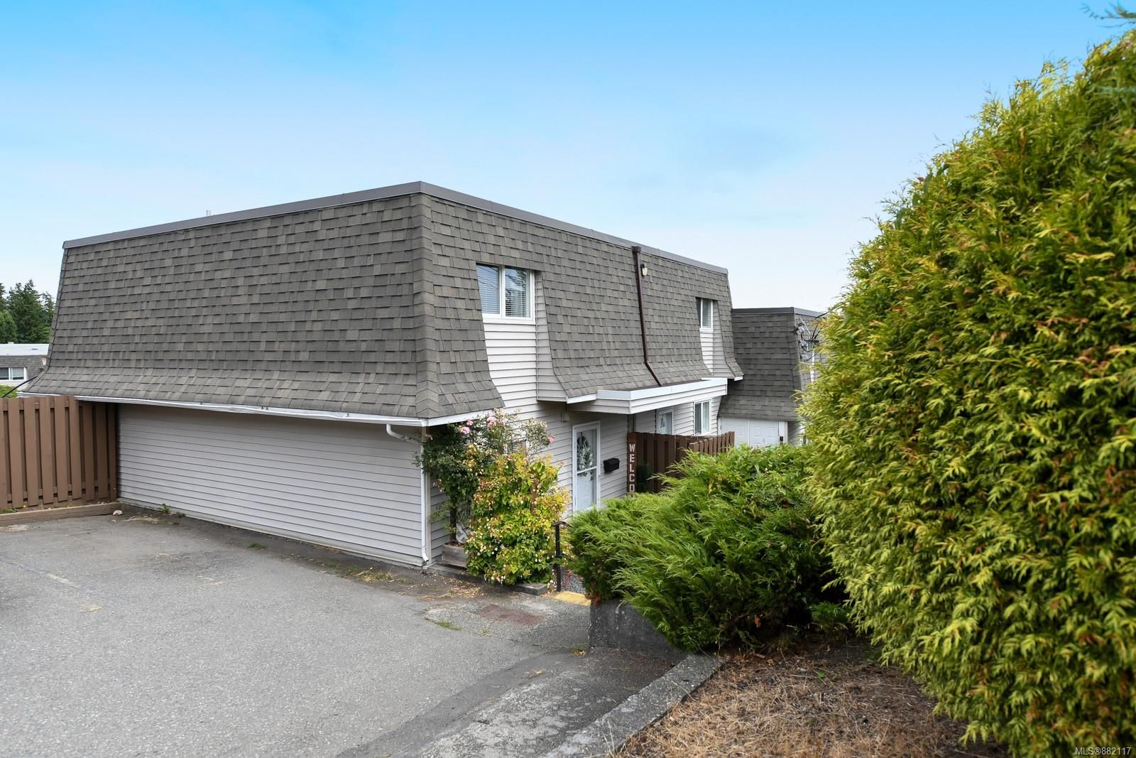 Main Photo: 6 270 Evergreen Rd in : CR Campbell River Central Row/Townhouse for sale (Campbell River)  : MLS®# 882117