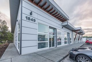 Photo 3: 102 1849 Dufferin Cres in : Na Central Nanaimo Mixed Use for lease (Nanaimo)  : MLS®# 869876