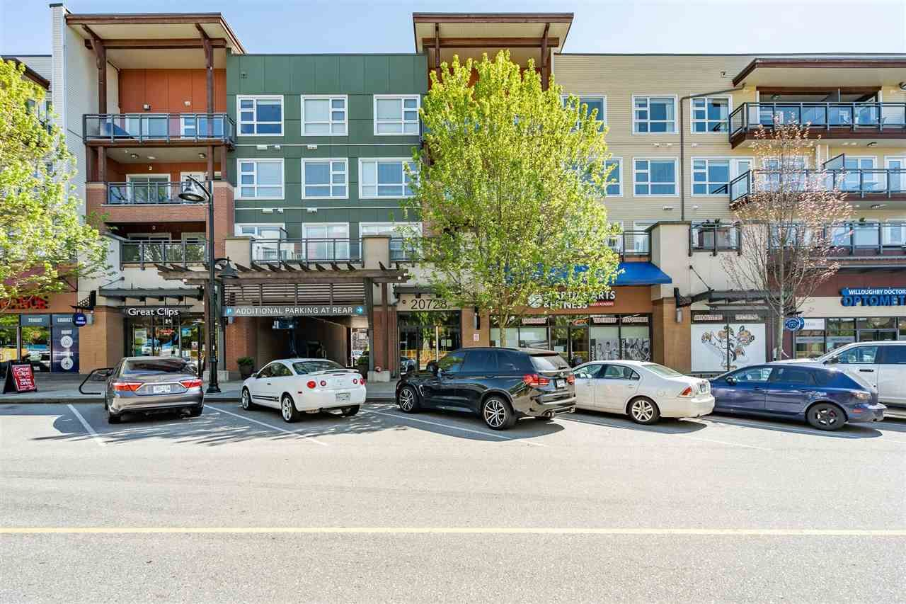 """Main Photo: 411 20728 WILLOUGHBY TOWN CENTER Drive in Langley: Willoughby Heights Condo for sale in """"Kensington"""" : MLS®# R2582359"""