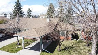 Photo 2: 2718 Dovely Park SE in Calgary: Dover Row/Townhouse for sale : MLS®# A1102328
