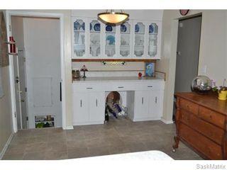 Photo 7: 2408 Irvine Avenue in Saskatoon: Nutana Park Single Family Dwelling for sale (Saskatoon Area 02)  : MLS®# 565482