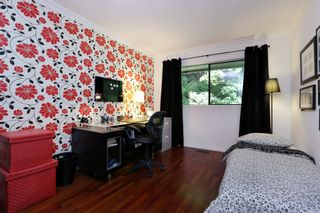 """Photo 22: 822 FREDERICK Road in North Vancouver: Lynn Valley Townhouse for sale in """"Lara Lynn"""" : MLS®# R2214486"""