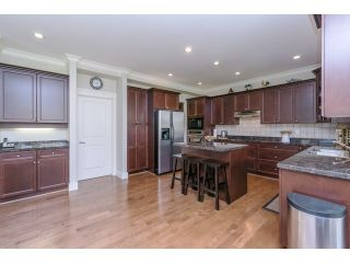 """Photo 9: 5915 164TH Street in Surrey: Cloverdale BC House for sale in """"WEST CLOVERDALE"""" (Cloverdale)  : MLS®# F1439520"""