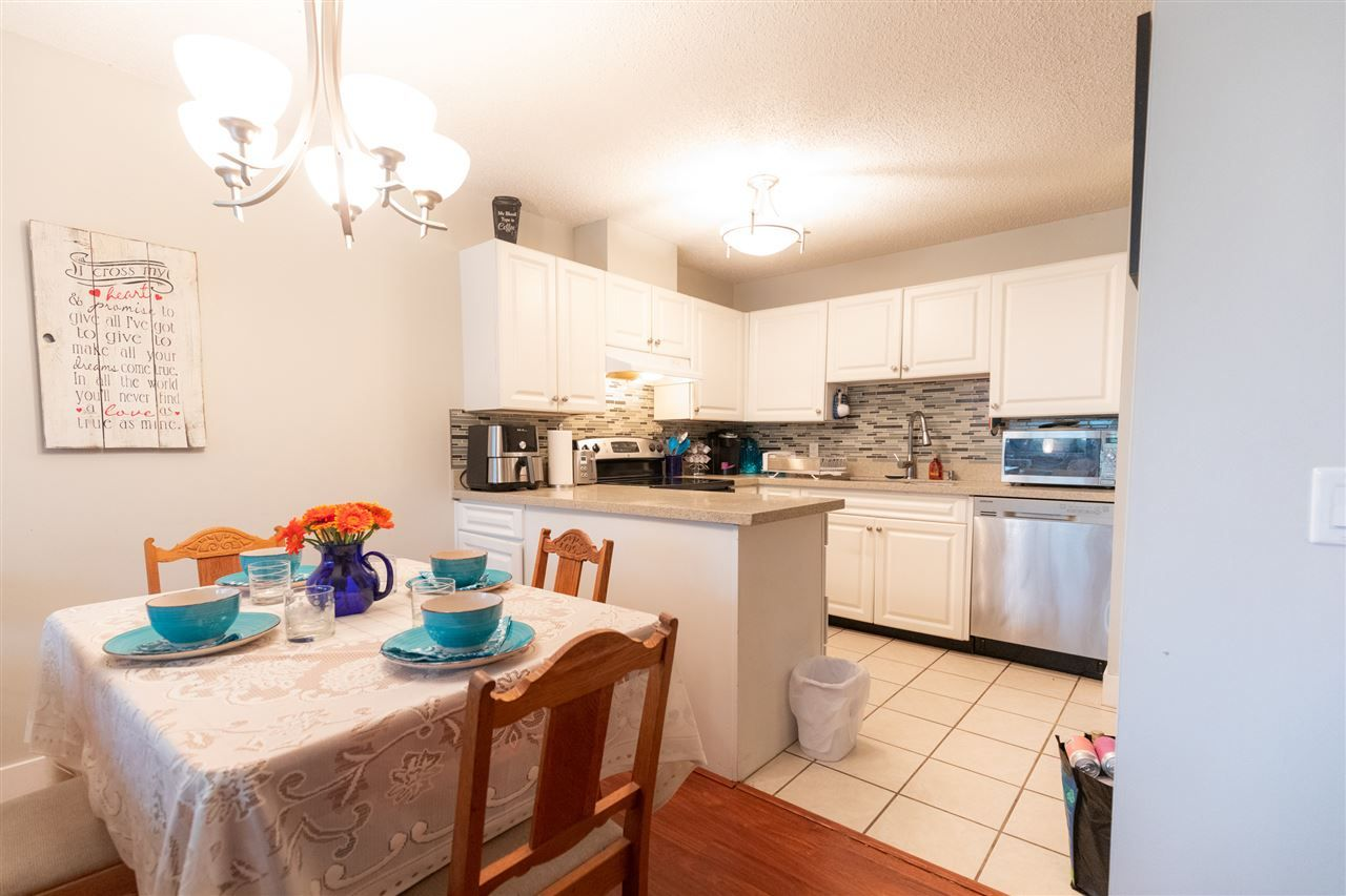 """Photo 4: Photos: 505 3970 CARRIGAN Court in Burnaby: Government Road Condo for sale in """"THE HARRINGTON"""" (Burnaby North)  : MLS®# R2499322"""