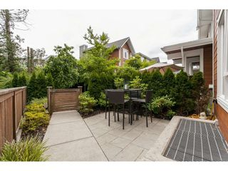 "Photo 3: 12 15918 MOUNTAIN VIEW Drive in Surrey: Grandview Surrey Townhouse for sale in ""Willsbrook"" (South Surrey White Rock)  : MLS®# R2477106"