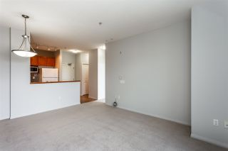 """Photo 4: 422 8880 202 Street in Langley: Walnut Grove Condo for sale in """"THE RESIDENCES AT VILLAGE SQUARE"""" : MLS®# R2534222"""