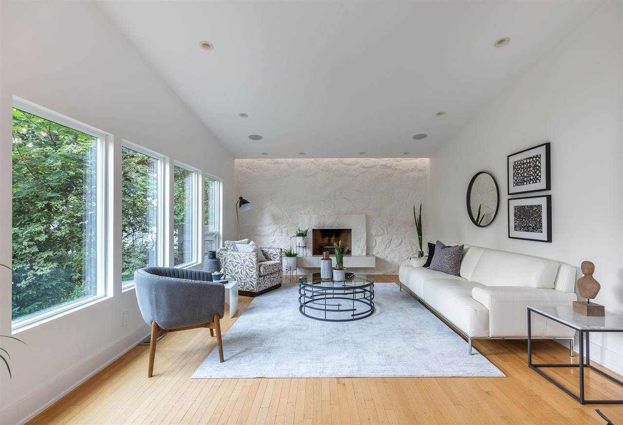 Photo 5: Photos: 315 MULGRAVE Place in West Vancouver: British Properties House for sale : MLS®# R2483368