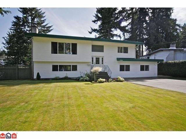 "Main Photo: 20760 39TH Avenue in Langley: Brookswood Langley House for sale in ""BROOKSWOOD"" : MLS®# F1219961"