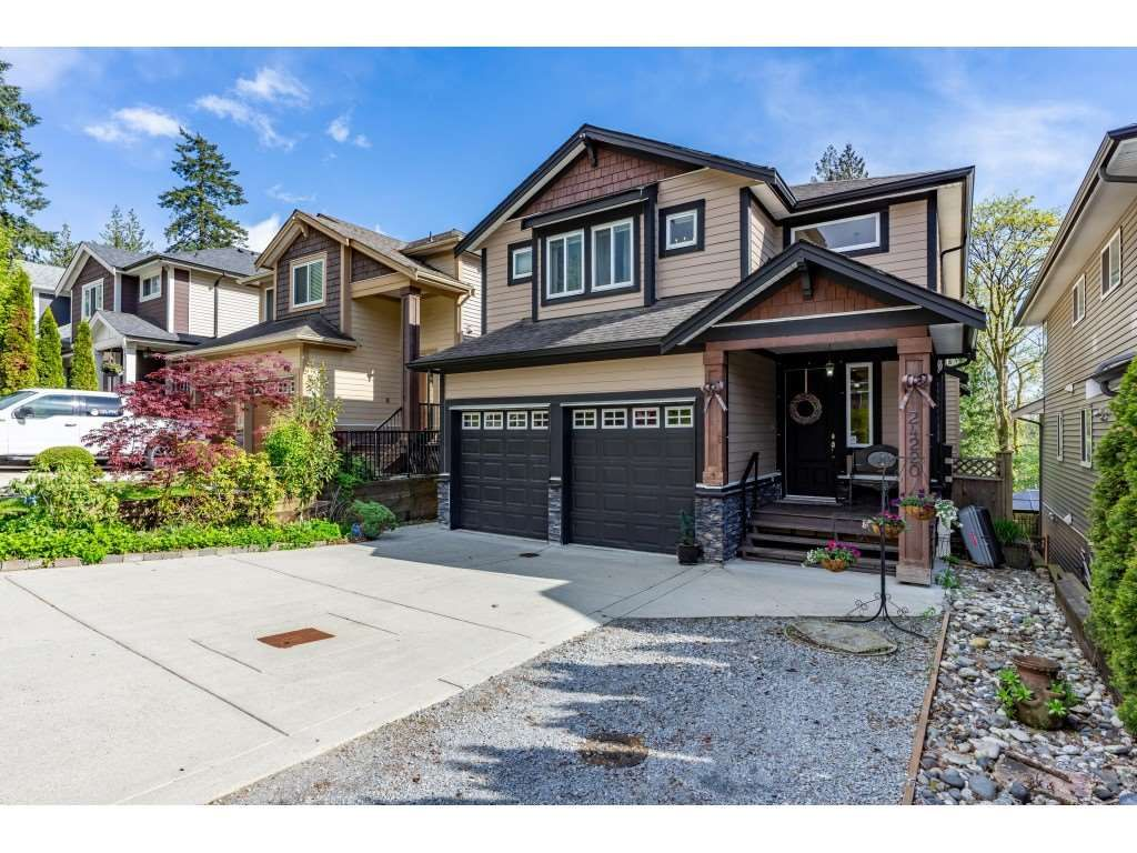 """Main Photo: 24220 103A Avenue in Maple Ridge: Albion House for sale in """"SPENCER'S RIDGE"""" : MLS®# R2404330"""