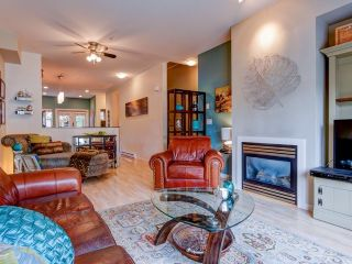 "Photo 1: 19 21535 88TH Avenue in Langley: Walnut Grove Townhouse for sale in ""Redwood Lane"" : MLS®# F1435147"