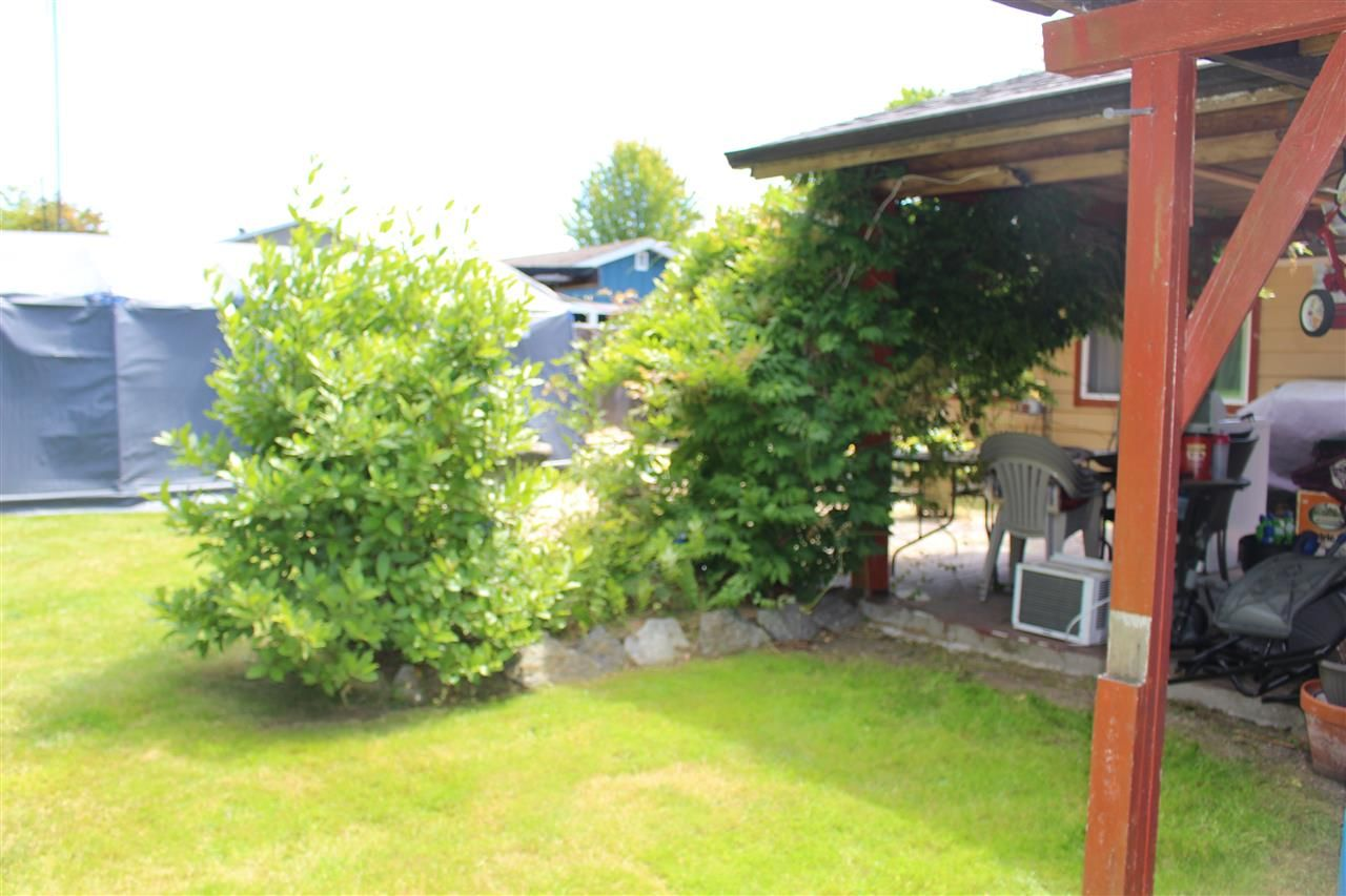 """Photo 13: Photos: 914 DAVIS Road in Gibsons: Gibsons & Area House for sale in """"TOWN OF GIBSONS"""" (Sunshine Coast)  : MLS®# R2478036"""