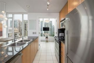 """Photo 8: PH2401 1010 RICHARDS Street in Vancouver: Yaletown Condo for sale in """"THE GALLERY"""" (Vancouver West)  : MLS®# R2498796"""