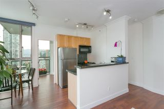 """Photo 2: 2601 928 RICHARDS Street in Vancouver: Yaletown Condo for sale in """"THE SAVOY"""" (Vancouver West)  : MLS®# R2288010"""