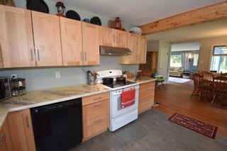Photo 7: 1225 AVELING COALMINE Road in Smithers: Smithers - Rural House for sale (Smithers And Area (Zone 54))  : MLS®# R2607586