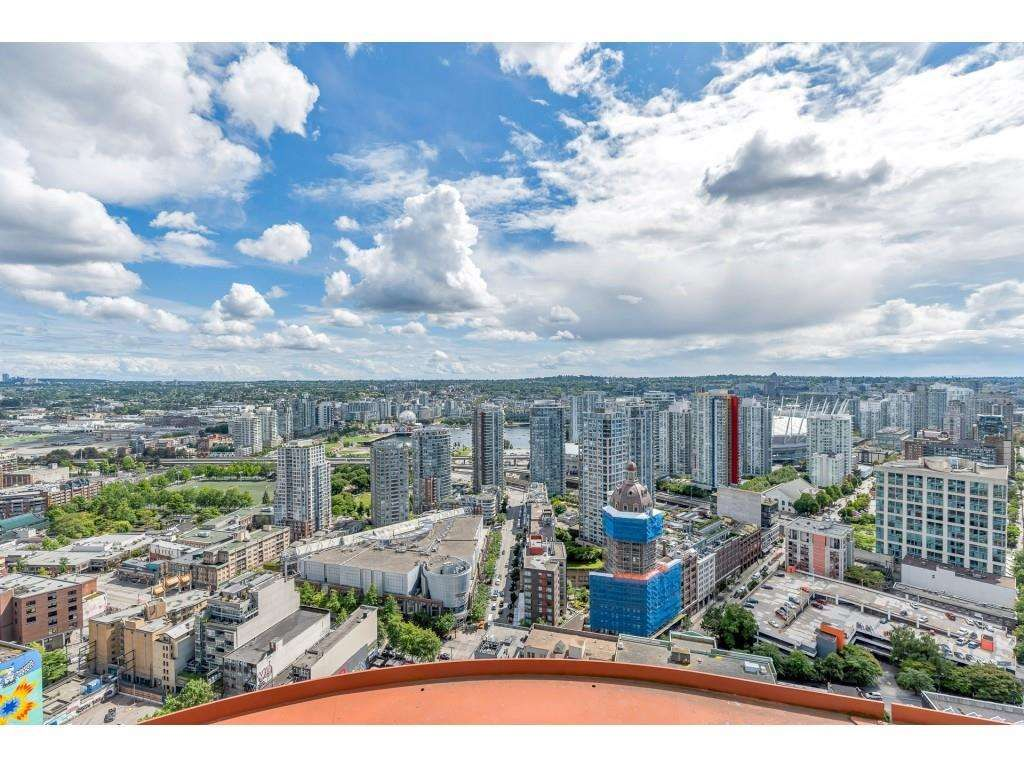 """Photo 34: Photos: 1704 128 W CORDOVA Street in Vancouver: Downtown VW Condo for sale in """"WOODWARDS"""" (Vancouver West)  : MLS®# R2592545"""