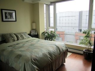 """Photo 4: 509 555 ABBOTT Street in Vancouver: Downtown VW Condo for sale in """"PARIS PLACE"""" (Vancouver West)  : MLS®# V945826"""