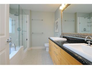"""Photo 15: 4472 QUEBEC Street in Vancouver: Main House for sale in """"MAIN STREET"""" (Vancouver East)  : MLS®# V1037297"""
