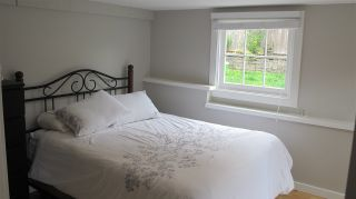 Photo 18: 402 LYON Place in North Vancouver: Central Lonsdale House for sale : MLS®# R2356670