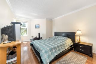 """Photo 19: 217 1850 E SOUTHMERE Crescent in Surrey: Sunnyside Park Surrey Condo for sale in """"SOUTHMERE PLACE"""" (South Surrey White Rock)  : MLS®# R2603585"""