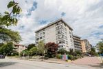 """Main Photo: 103 460 14TH Street in West Vancouver: Ambleside Condo for sale in """"Tiffany Court"""" : MLS®# R2525276"""