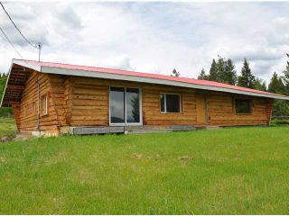 Photo 2: 7680 WEST FRASER Road in Quesnel: Quesnel Rural - South House for sale (Quesnel (Zone 28))  : MLS®# N218963