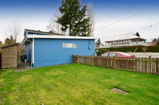 """Photo 14: 2958 KIDD Road in Surrey: Crescent Bch Ocean Pk. House for sale in """"Crescent Beach"""" (South Surrey White Rock)  : MLS®# R2039219"""