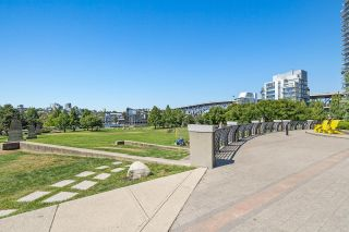 """Photo 23: 708 1495 RICHARDS Street in Vancouver: Yaletown Condo for sale in """"AZURA II"""" (Vancouver West)  : MLS®# R2606162"""