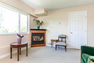 Photo 3: 5142 58B Street in Delta: Hawthorne Duplex for sale (Ladner)  : MLS®# R2584643