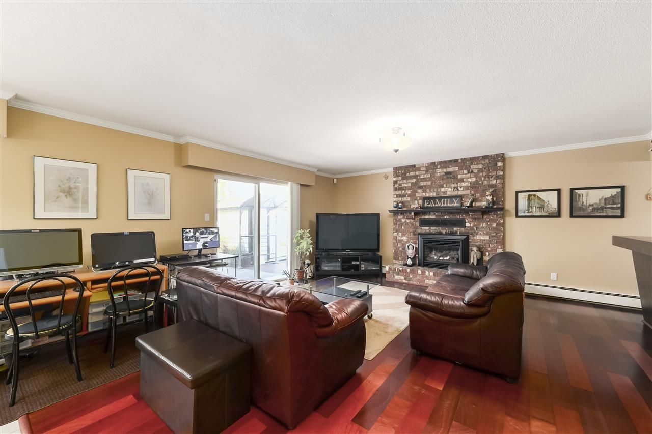 Photo 11: Photos: 10291 MORTFIELD Road in Richmond: South Arm House for sale : MLS®# R2490488