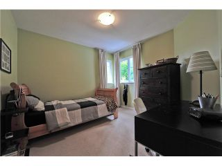 "Photo 16: 147 FERNWAY Drive in Port Moody: Heritage Woods PM 1/2 Duplex for sale in ""ECHO RIDGE"" : MLS®# V1070307"