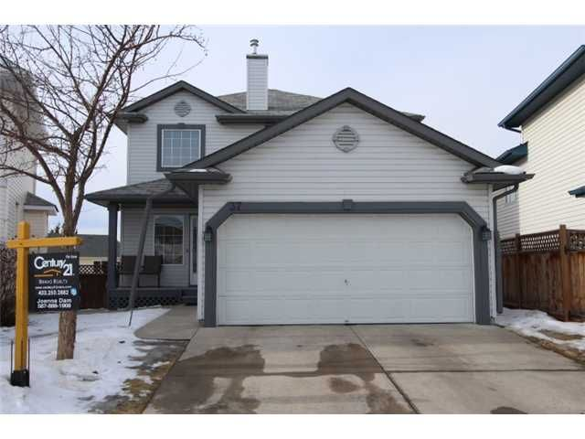 Main Photo: 37 APPLEMONT Place SE in CALGARY: Applewood Residential Detached Single Family for sale (Calgary)  : MLS®# C3598836