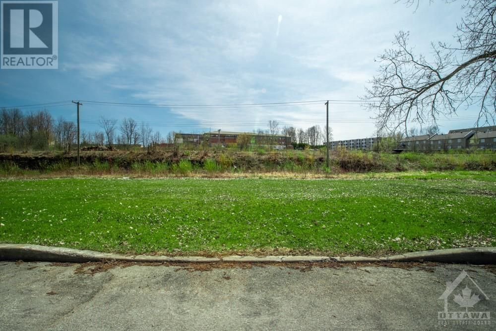 Main Photo: Lot 85 PORTELANCE AVENUE in Hawkesbury: Vacant Land for sale : MLS®# 1238633