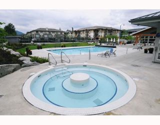 """Photo 4: 309 651 NOOTKA Way in Port Moody: Port Moody Centre Condo for sale in """"SAHALEE"""" : MLS®# V786508"""