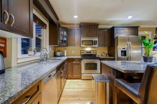 Photo 11: 411 DELMONT Street in Coquitlam: Coquitlam West House for sale : MLS®# R2477098