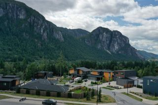 """Photo 2: 2199 CRUMPIT WOODS Drive in Squamish: Plateau Land for sale in """"Crumpit Woods"""" : MLS®# R2383880"""
