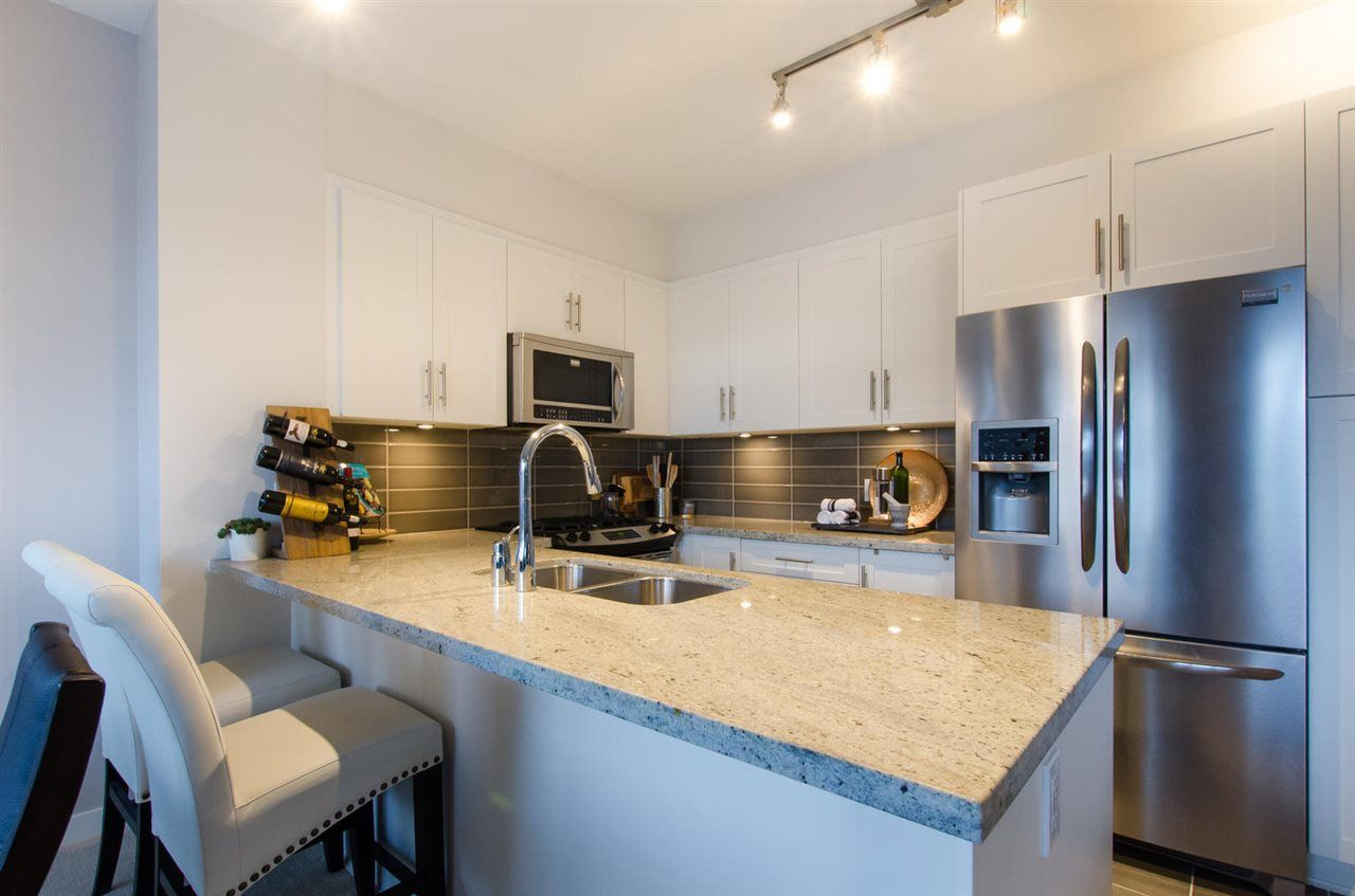 """Photo 9: Photos: 311 23255 BILLY BROWN Road in Langley: Fort Langley Condo for sale in """"THE VILLAGE AT BEDFORD LANDING"""" : MLS®# R2024822"""