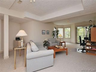 Photo 13: 18 4300 Stoneywood Lane in VICTORIA: SE Broadmead Row/Townhouse for sale (Saanich East)  : MLS®# 610675